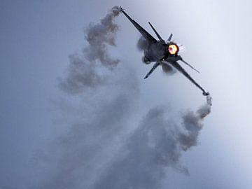 Bright burner van de belgische F16 Vador van Stefano Scoop