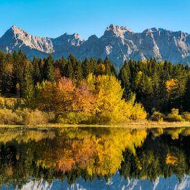 lake at autumn van Daniela Beyer