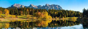 panorama sur le lac de montagne sur Daniela Beyer