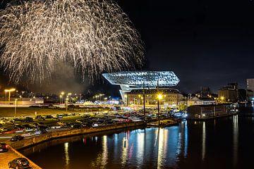 Vuurwerk Havenhuis Antwerpen von Michaël Janssens