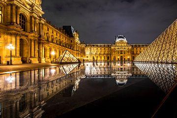 Louvre Parijs van