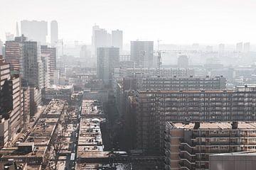 Dunkle Stadt von Peter Hooijmeijer