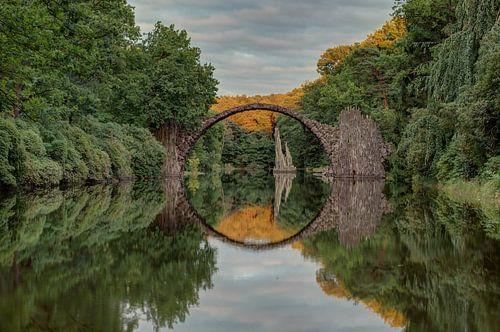 Rakotzbrücke zonsondergang van