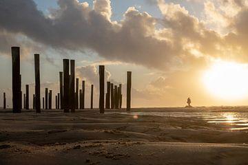 Zonsondergang aan zee (2) van Rob vlierd van de