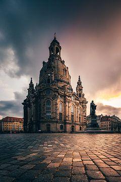 De Dresden Frauenkirche in het ochtendlicht als close-up van Jan Wehnert