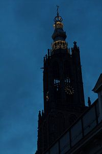 Silhouet Lieve vrouwe toren in Amersfoort