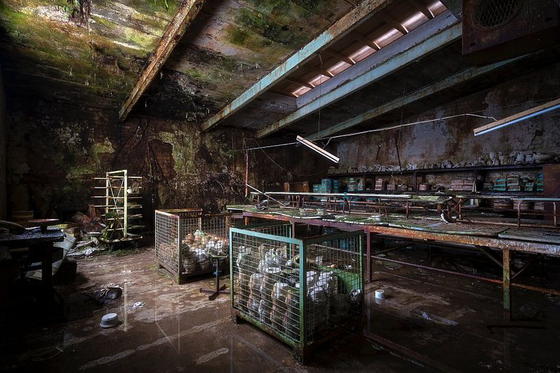 Verlaten Pottenbakkerij. van Roman Robroek