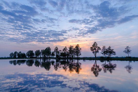 """Landschap """"Gespiegelde Zonsondergang"""" van Coen Weesjes"""