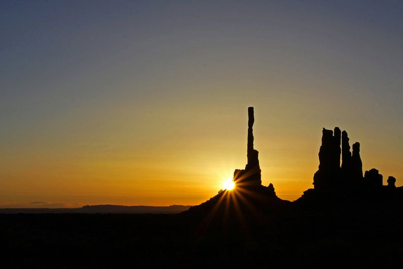zonsopkomst Monument Valley van Antwan Janssen