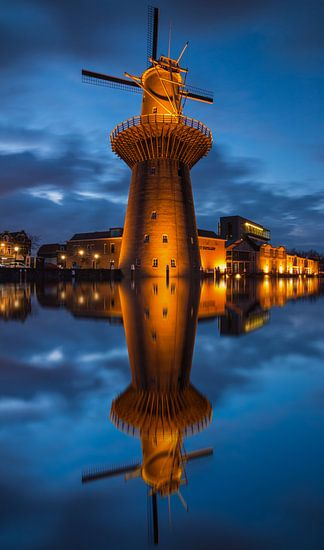 Nolet molen Schiedam na zonsondergang