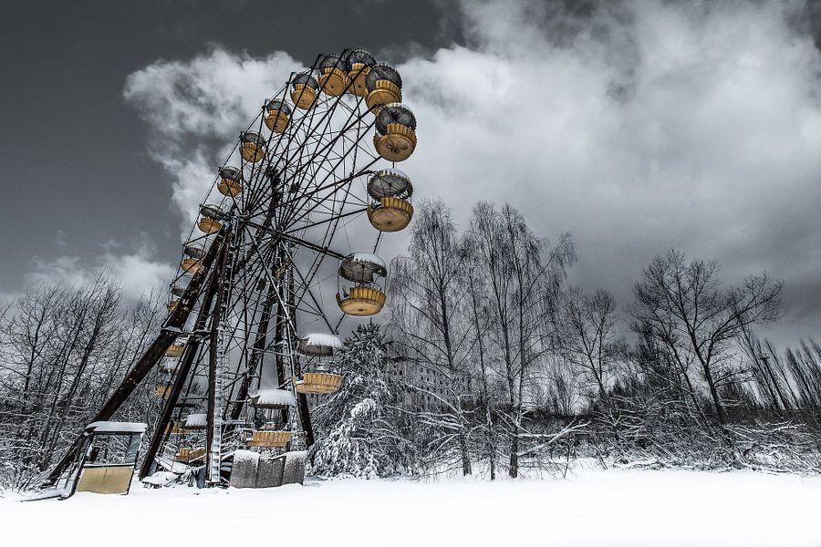 Forgotten ferris wheel Pripyat van marcel wetterhahn