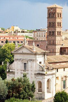 Een kerk in het Forum Romanum in Rome. van hugo veldmeijer