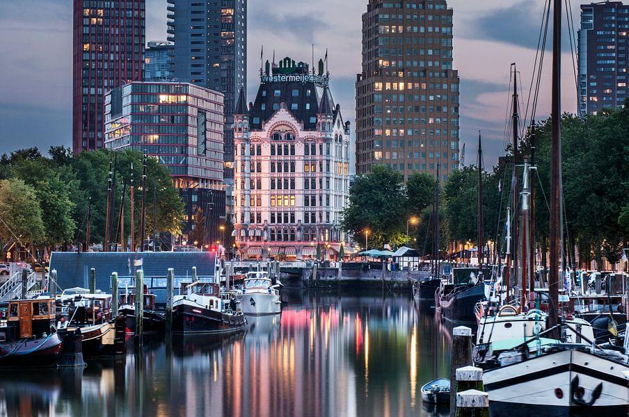 Rotterdam Skyline Old and New van Jan Sluijter
