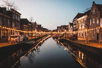 Réflexion sur les canaux d'Alkmaar sur Tom in 't Veld
