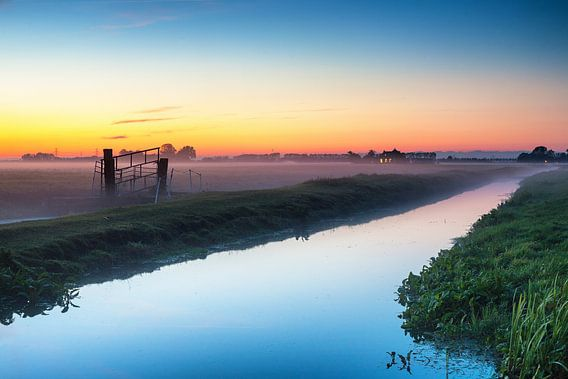 Nazomer zonsondergang nabij Groningen