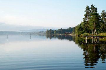 Zweedse ochtend over het Siljanmeer van marcel schoolenberg