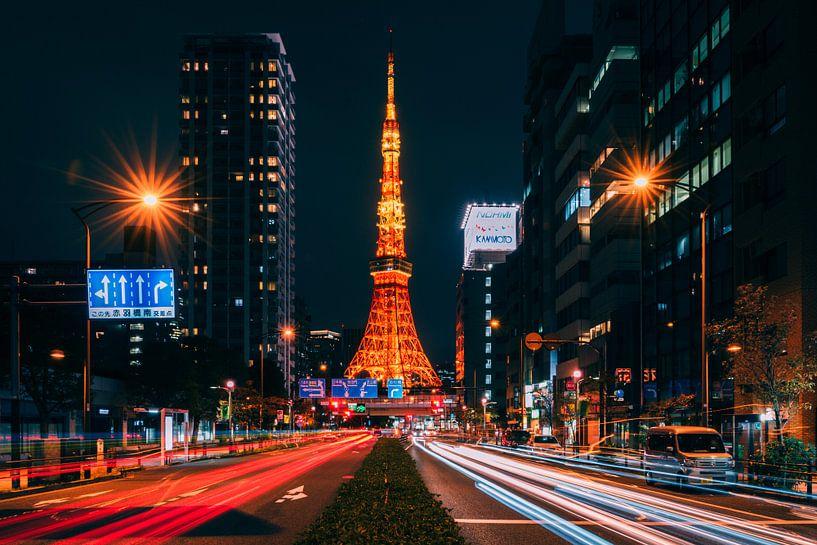 Tokyo Tower 2 van Sander Peters Fotografie