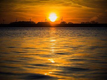 Lever du soleil à l'eau
