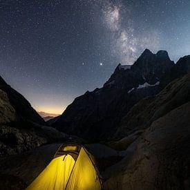 Slapen onder de sterrenhemel in de Franse Alpen van Jos Pannekoek