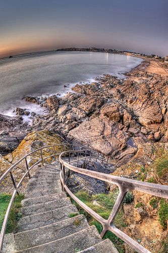 Long stairs to the Sea van Ben Töller