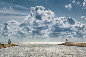 Tussen de twee pieren van de haven van Stavoren in Friesland
