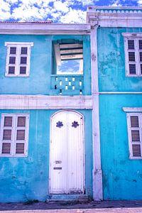 Blauw vervallen huis Curacao Pietermaai