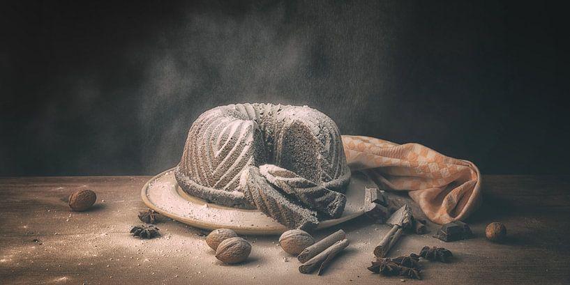 Stilleven tulband met chocolade van Monique van Velzen