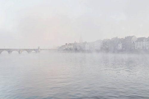Maastricht in de mist 1 von Ruud Keijmis