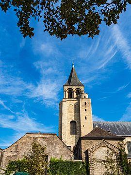 Blick auf ein historisches Gebäude in Paris, Frankreich von Rico Ködder