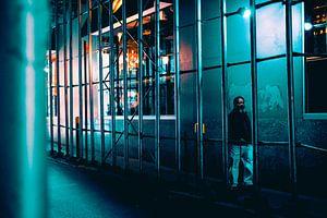 Einsamer Wanderer in New York von MICHEL WETTSTEIN