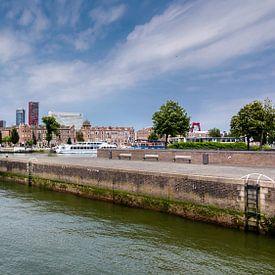 Skyline Rotterdam vanaf de Zuidoever. van Danny den Breejen