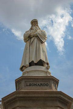 La stature de Leonardo sur Florian Kampes