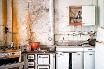 Küche im Verfall. von Roman Robroek