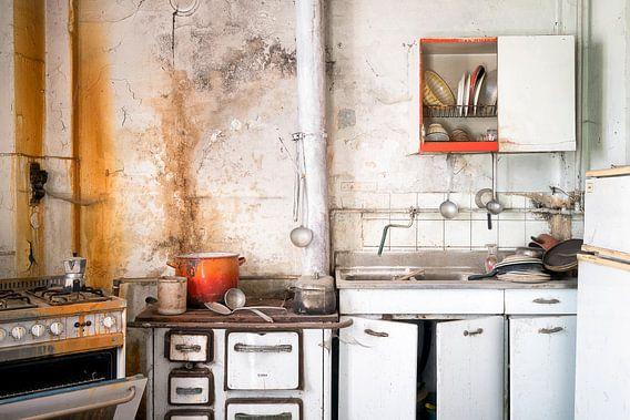 Keuken in Verval. van Roman Robroek