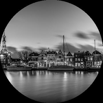 Zonsondergang over Alkmaar, Accijnstoren en Bierkade 01 van Arjen Schippers