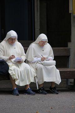 Nonnetjes met sneakers van Paula de Wit