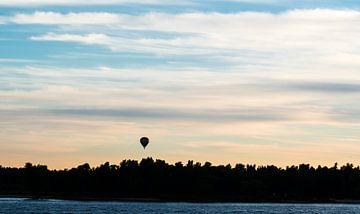 eenzame luchtballon van Rick Koppelaar