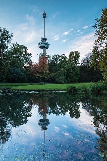 Euromastpark in herfstkleuren van Ilya Korzelius