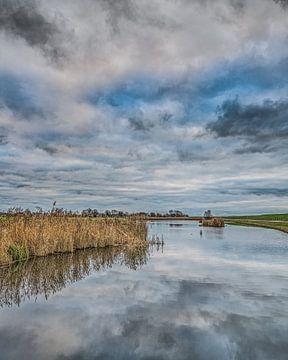 Randmeer achter de IJsselmeerdijk vlak boven Gaast von Harrie Muis
