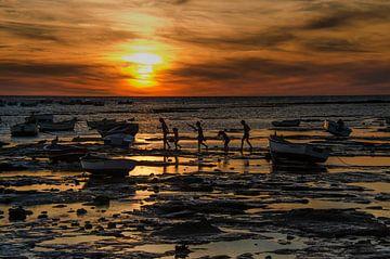 Zonsondergang in Cadiz,  Spanje van Eddie Smit