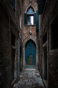La porte bleue sur Dick Carlier