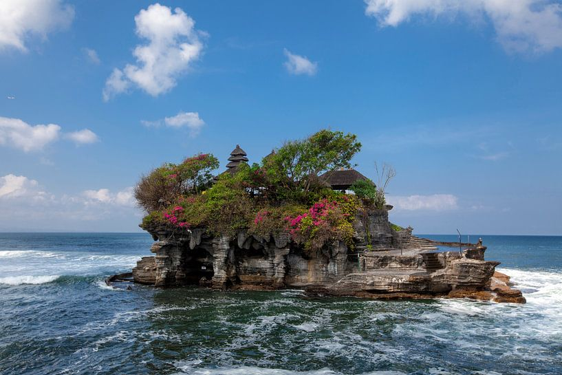 Tanah Lot-watertempel in het eiland van Bali, Indonesië. Outdoor Indonesië natuur landschap van Tjeerd Kruse