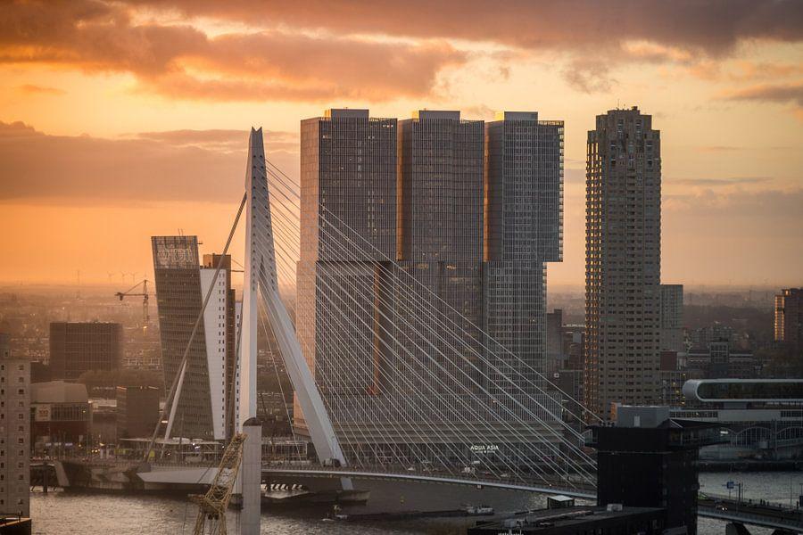 Zonsopgang Rotterdam van Jesse Barendregt