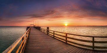 Seebrücke von Scharbeutz am Morgen von Voss Fine Art Fotografie