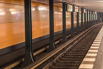 Metro (U-bahn) in Berlijn van Mischa Corsius