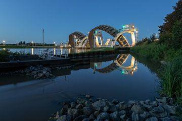Blue Hour bij de  Stuw Hagestein reflectie fotografie van Klaas Doting