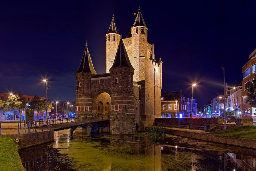 Nachtfoto Amsterdamse Poort te Haarlem