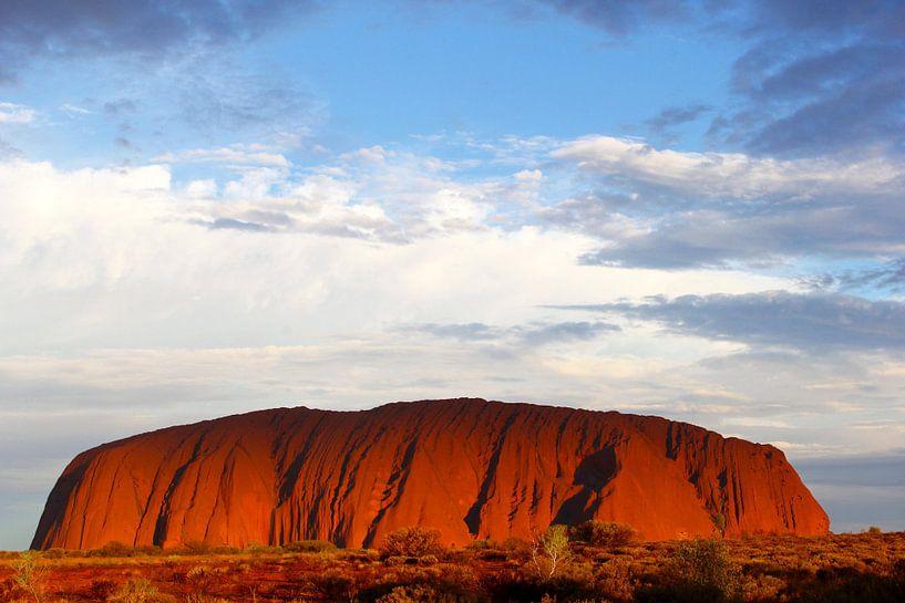 Abend am Uluru, Outback, Australien von Inge Hogenbijl