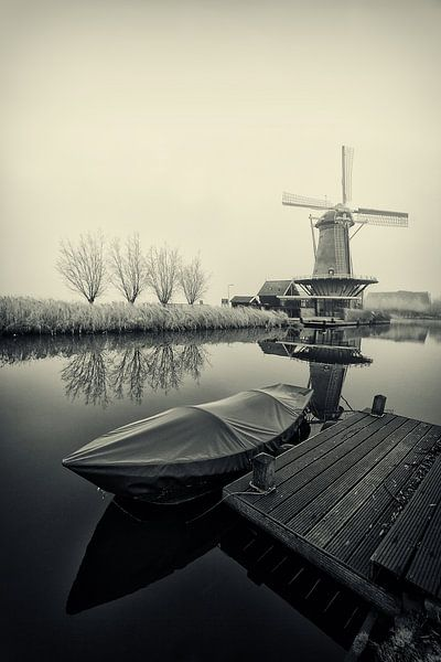 Bootje bij de molen van Peter Halma