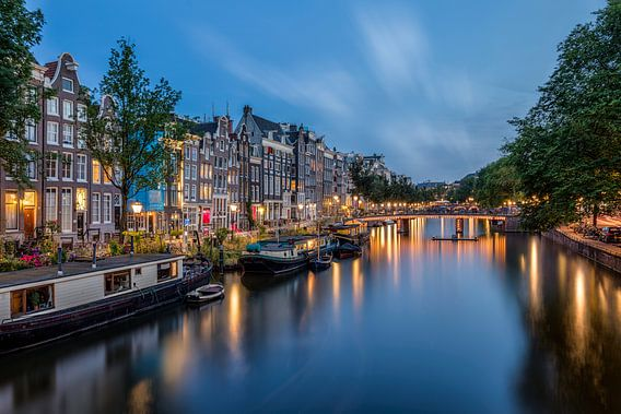 Les canaux d'Amsterdam à l'heure bleue